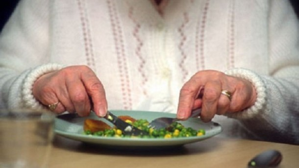 finger-foods-may-be-best-for-people-with-alzheimer-s_strict_xxl